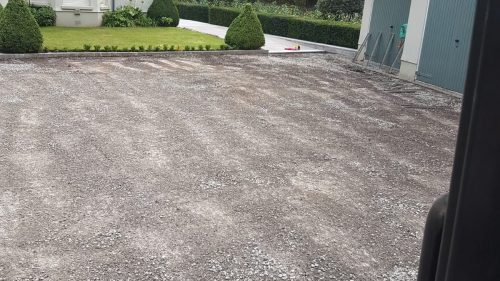 Steve Collins Surfacing Driveway to lay