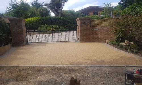 Steve Collins Install Resin Driveways